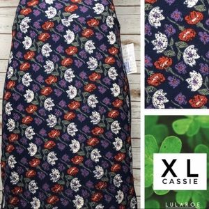 Size XL purple/red/white/green floral pencil skirt
